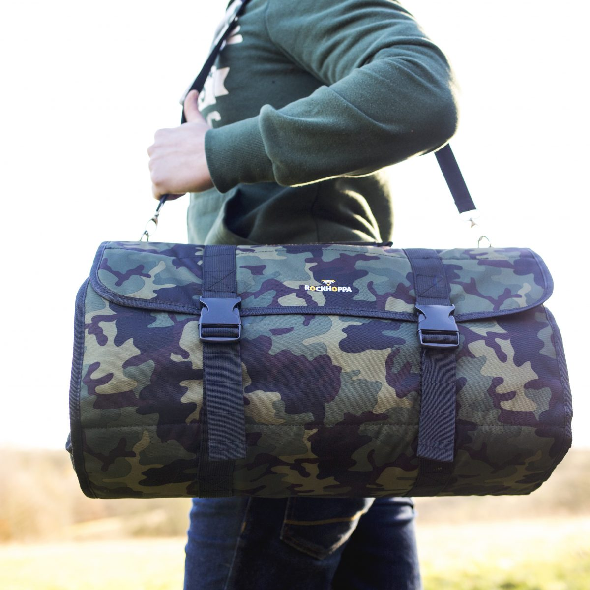 Men's weekend travel bag is great for guys